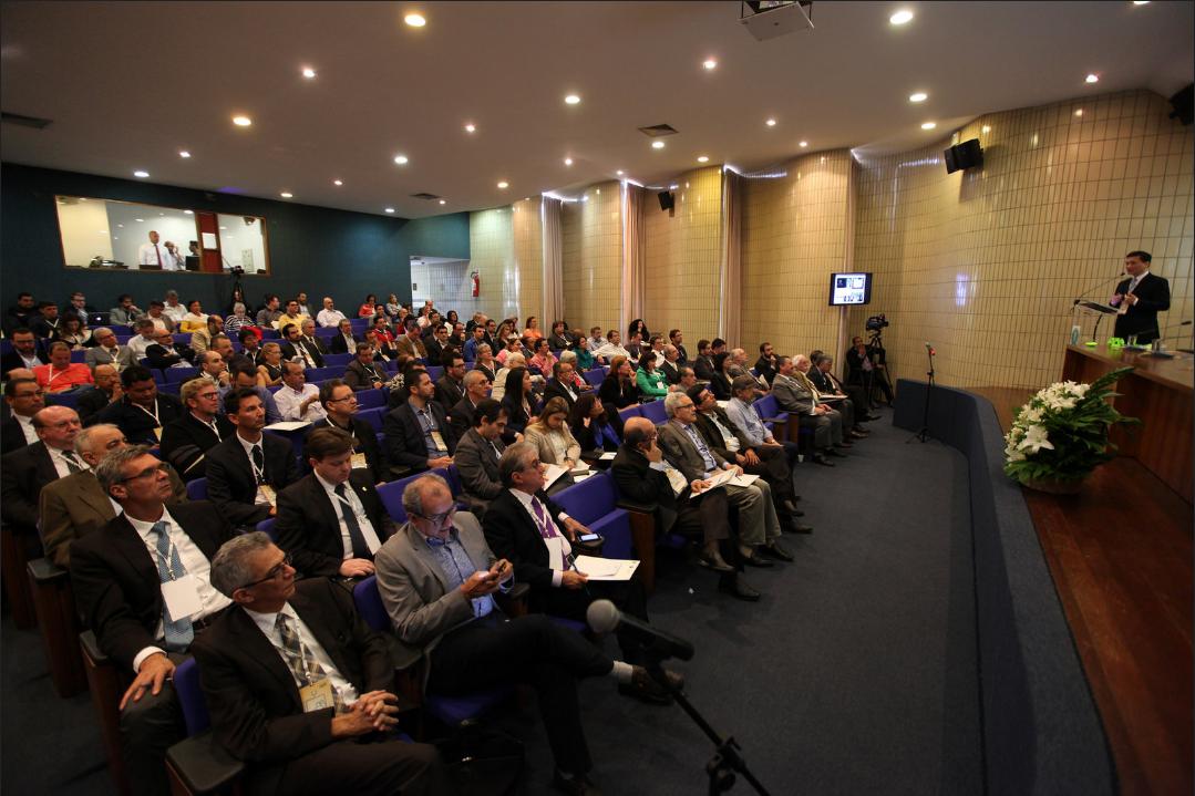 O fórum foi um marco ao reunir 130 participantes e expectadores da transmissão simultânea online